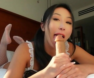 Cum with Nicole Doshi