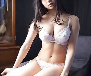 Big tits japanese model miduki momoko wearing sensual..