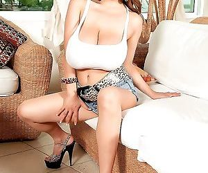 Big titted asian hitomi tanaka shows her young body - part..