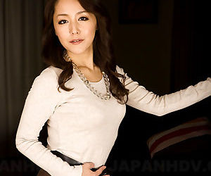 Asian MILF Nao Kato gets naked and displays her saggy..