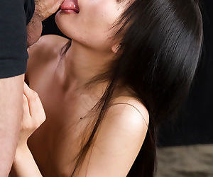 Naked Japanese chick Kurihara Moeka spits out jizz after..