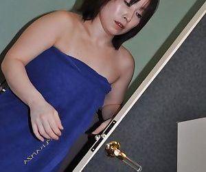 Asian lady Yumi Ohno has some nipples tweaking and pussy..