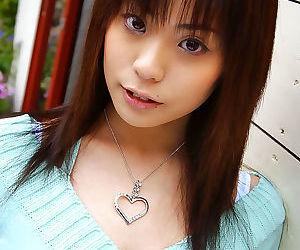 Japanese girl flashing undies - part 2849