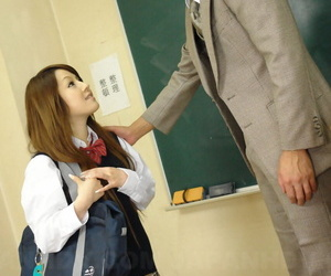 Japanese schoolgirl Ria Sakurai wears cum on face after..