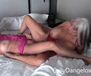 mature porn girls eating pussy..
