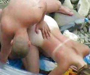 Beach bj and doggystyle position fuck