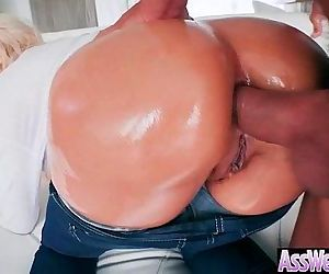Big Ass Wet Oiled Girl Get Nailed Deep In Her Behind clip-21