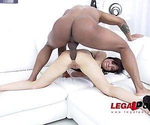 Sandra Luberc prefers 100% anal fucking with huge cocks SZ1086 HD