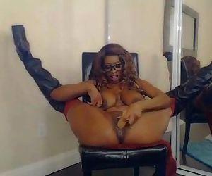 Busty Stripper Nyla Storm Big Butt– more videos on freebabes4you.webcam