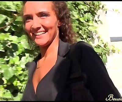 Casting photo, Erika nous fait chavirerBeurette video 14 min HD+