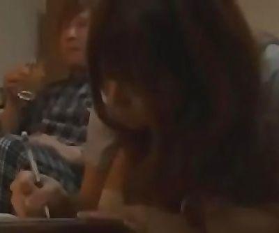 Sexo entre estudiantes japoneses bien ricolino ver video completo:..