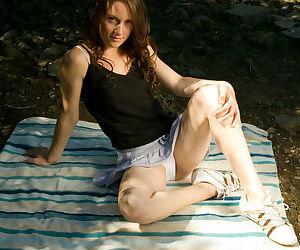 Frisky brunette amateur..