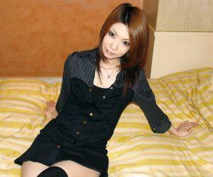 Asian sweetie Nayu Kunii..