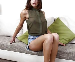 Young amateur model Elina Bradley..