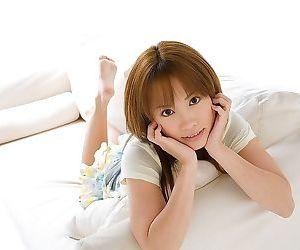 Asian cutie reika shiina showing..