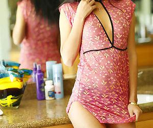Asian teen Alina Li has her pussy..