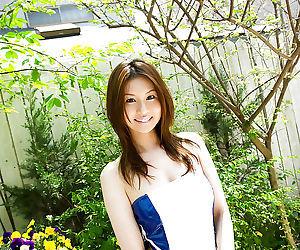 Amazingly lovely asian babe..