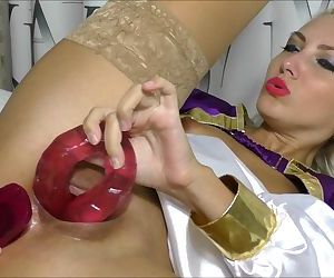 Two dildos in pussy & 3 squirts..