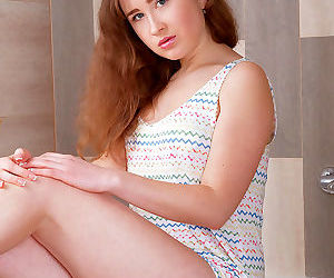 Gorgeous 18 year old arianna..