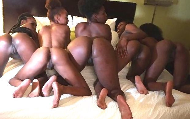 5 black Sluts wating nude + doggy..