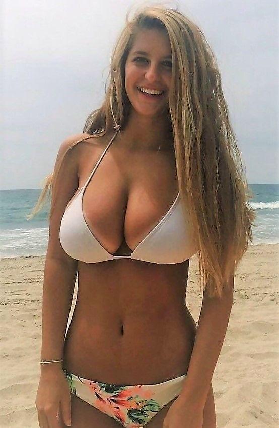 Beach Babes #14537