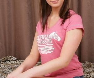 Slutty brunette amateur chick..