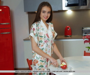 Sweet teen Angely Grace carves up..