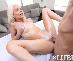 Teen spinner Elsa Jean is all..