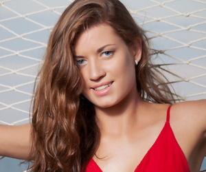Teen glamour model Amanda C..