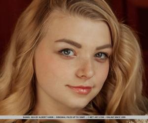 Young solo girl Daniel Sea..