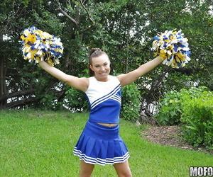 Amateur cheerleader Tiff..