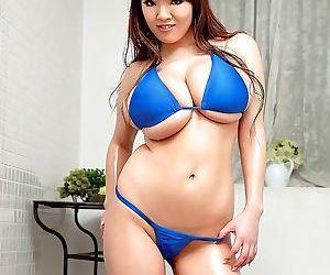 Asian super pornstar hitomi tanaka in bikini - part 205
