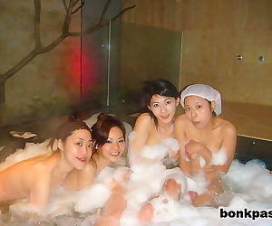 Plenty of chinese girlfriends in bath house - part 3074
