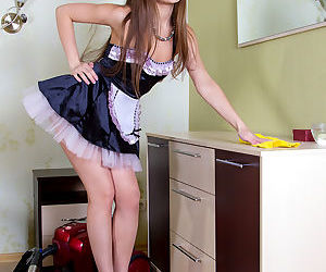 Slender maid Tessa peels uniform to squat naked in high..