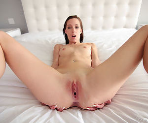 Skinny girl with huge gaping vagina elicits a creampie..