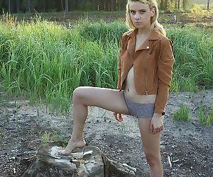 First timer Amy Shangela masturbating her teen cunt outdoors