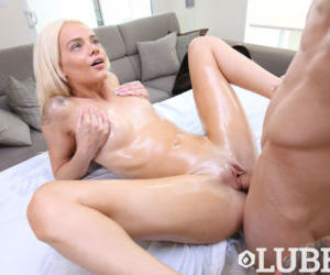 Teen spinner Elsa Jean is all oiled up before doing a..