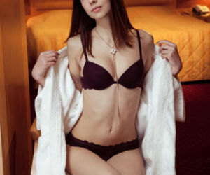 Skinny young girl Juliett Lea removing lingerie to plunge..
