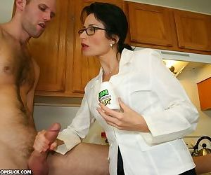 Sexy mom Tatiana gets her geeky glasses jizzed on in the..