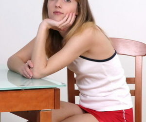 Sharing amateur teen babe Olga is petting her lovely hairy..