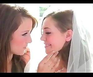 HT - 4 lesbians