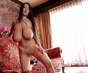 Hitomi 05