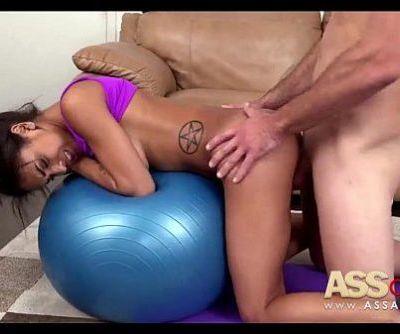 Yoga Moves Nicole Bexley