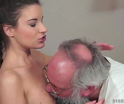 Anita Bellini Loves Old CockHD
