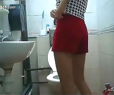 chinese girls go to toilet.71 11 min