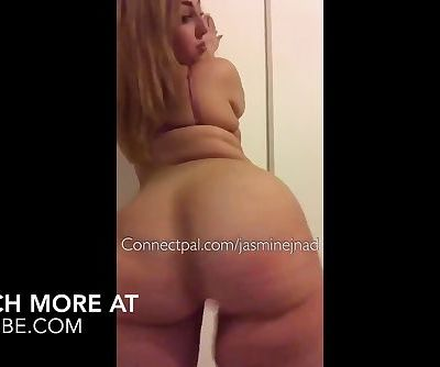 PAWG SHAKING ASS AND PLAYING WITH HERSELF WATCH FULL VIDEO AT CRATUBE.COM
