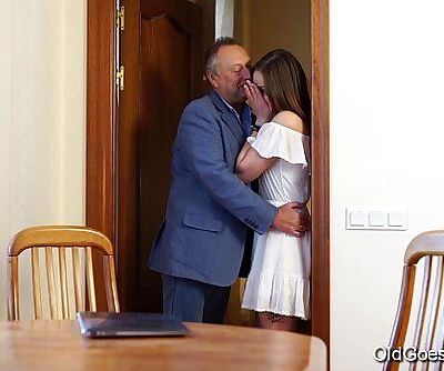 Old Goes YoungTeen Carol seduced by a man three times her ageHD