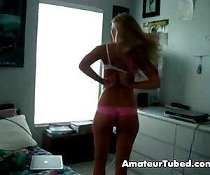 Teen undressing - 51 sec