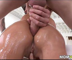 Stepmom Tara Holiday anal 3some..