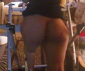 Working that fat booty